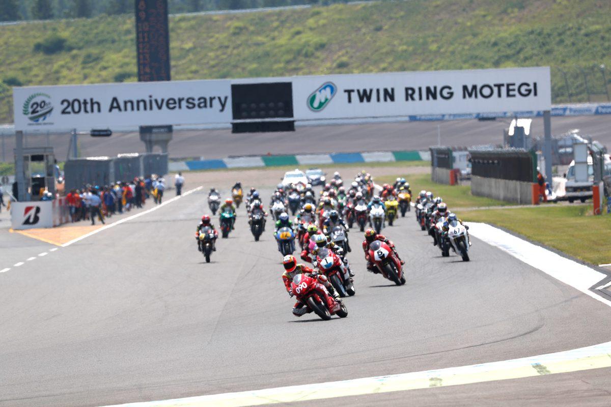 MotoUPレーシングチーム、もて耐予選総合1位!